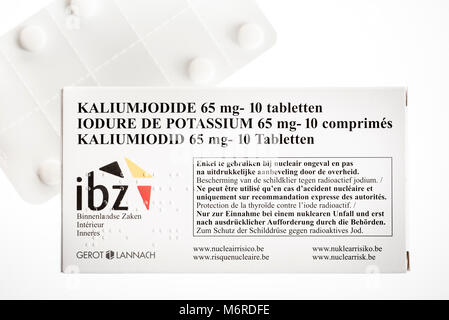 Free Potassium iodide tablets distributed to protect Belgian residents from radioactive fall-out in the event of - Stock Photo