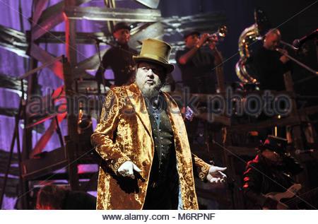 zucchero in concert, forum di assago, milan 02-02-2018 - Stock Photo
