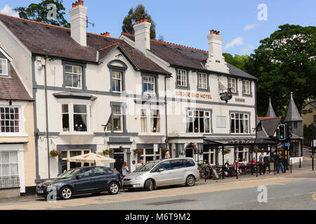 The Bridge End Hotel a popular bar and restaurant overlooking the River Dee in Llangollen North East Wales - Stock Photo