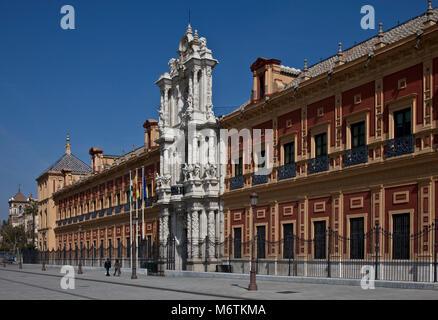 Sevilla, San-Telmo-Palast. Palast San Telmo. Fassade von 1757 - Stock Photo