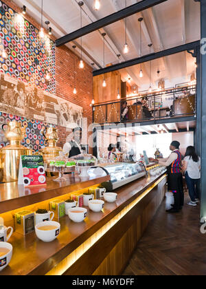Vertical view of busy tearooms in Colombo, Sri Lanka - Stock Photo