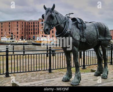 England, Merseyside, Liverpool city, Memorial to the dock horses,Liverpool docks, UK - Stock Photo