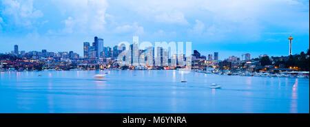 Lake Union and downtonw city skyline of Seattle, Washington State, USA - Stock Photo