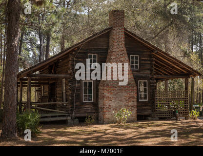 Old farm homestead relocated to heritage site at Sawgrass Lake Park, Florida - Stock Photo