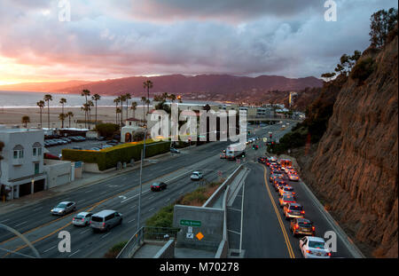 Overview of cars on the California Incline heading down from Santa Monica cliffs onto the Pacific Coast Highway - Stock Photo