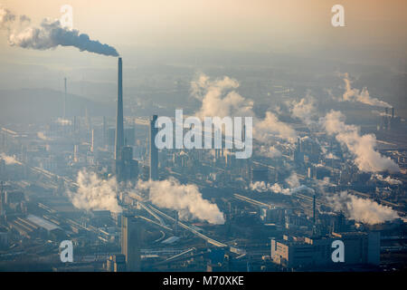 Marl Chemical Park, with Sasol Germany GmbH in Marl, Ruhr area, North Rhine-Westphalia. smoking chimney, chemical - Stock Photo