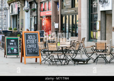 bold street Liverpool city centre outdoor alfresco tables chairs coffee shop cafe street cafeteria restaurant - Stock Photo