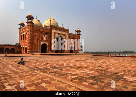 AGRA, INDIA - NOVEMBER 8, 2017: View of mosque in Taj-Mahal - Stock Photo