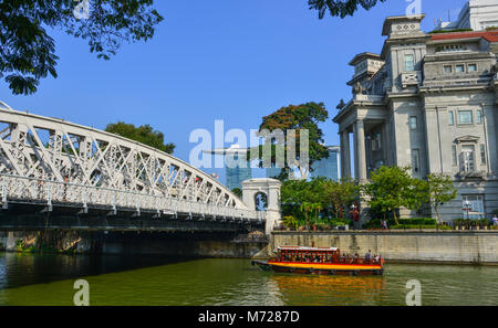 Singapore - Feb 9, 2018. Anderson Bridge over the river at downtown in Singapore. The Bridge was constructed between - Stock Photo