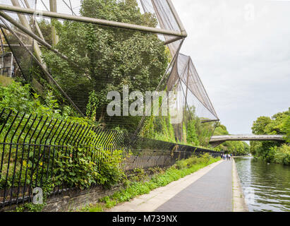 The Snowdon Aviary (1964) at ZSL London Zoo, seen from the towpath of Regent's Canal, Regent's Park, London, England, - Stock Photo