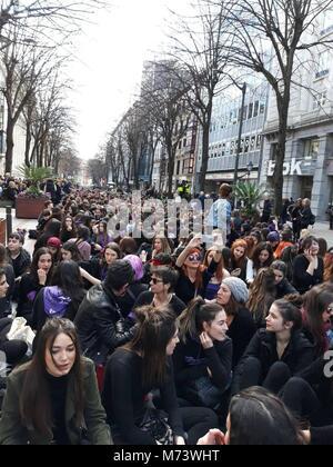 Pie de Foto: 8M  Noticia Asociada: Miles de mujeres secundan en las tres capitales vascas las sentadas convocadas - Stock Photo