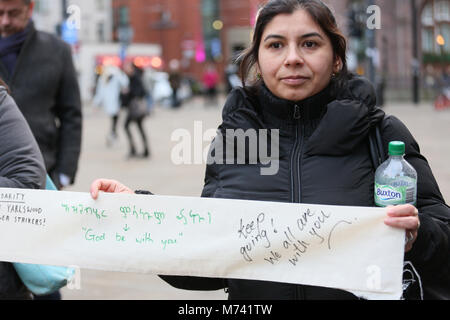 Yarlswood, Manchester. 8th Mar, 2018. A banner with messages of support is held up on International Women's Day - Stock Photo