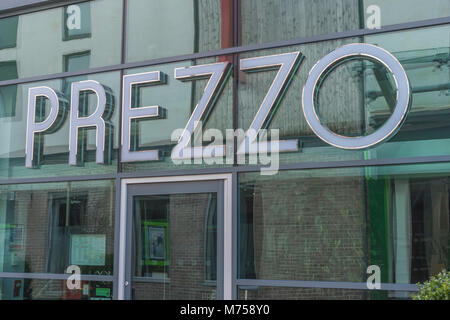 Front of Prezzo restaurant is St. Austell, Cornwall, soon after Prezzo announced it was having financial troubles. - Stock Photo