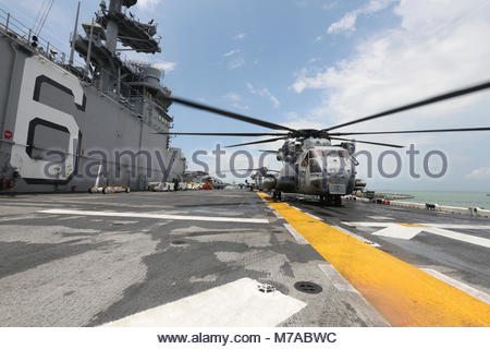 Aug. 24, 2017) A CH-53E Super Stallion helicopter assigned to the 15th Marine Expeditionary Unit's (15th MEU) Aviation - Stock Photo