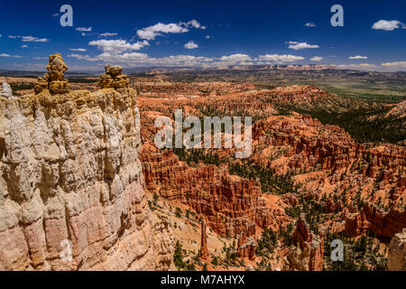 The USA, Utah, Garfield County, Bryce Canyon National Park, view from the Rim Trail between inspiration and Bryce - Stock Photo