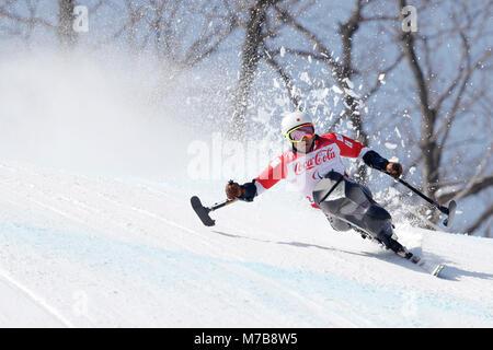 Pyeongchang, South Korea. 10th Mar, 2018. Akira Kano (JPN) Alpine Skiing : Men's Downhill Sitting at Jeongseon Alpine - Stock Photo