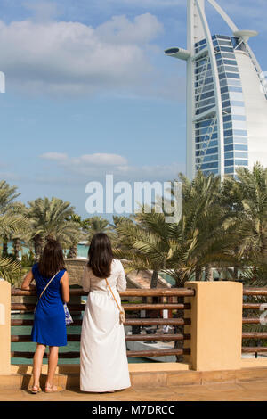 Female tourists at Madinat Jumeirah Dubai UAE - Stock Photo