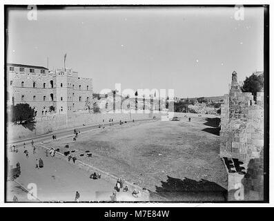 Newer Jerusalem. Street scene and courtyard LOC matpc.00799 - Stock Photo