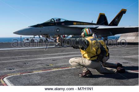 Boeing FA-18E Super Hornet. ATLANTIC OCEAN (June 26, 2017) An F/A-18E Super Hornet assigned to the 'Gunslingers' - Stock Photo