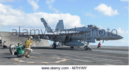 Boeing FA-18E Super Hornet. CORAL SEA (July 8, 2017) An F/A-18E Super Hornet assigned to the 'Royal Maces' of Strike - Stock Photo