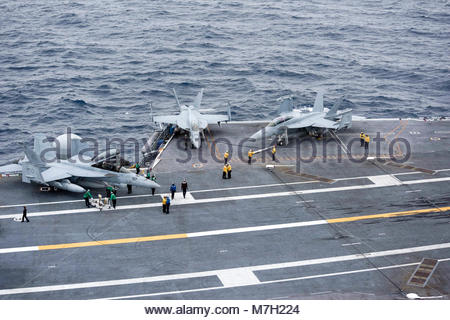 "Boeing FA-18F Super Hornet. PACIFIC OCEAN (Sept. 6, 2017) An F/A-18F Super Hornet, left, assigned to the ""Black - Stock Photo"