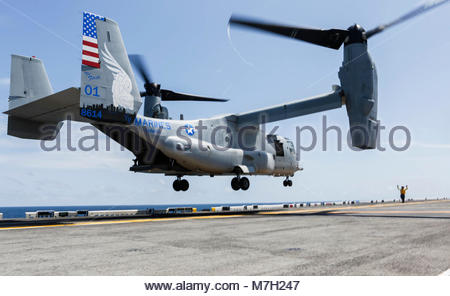 Bell-Boeing MV-22B Osprey. OCEAN (Aug. 29, 2017) An MV-22B Osprey assigned to the 15th Marine Expeditionary Unit's - Stock Photo