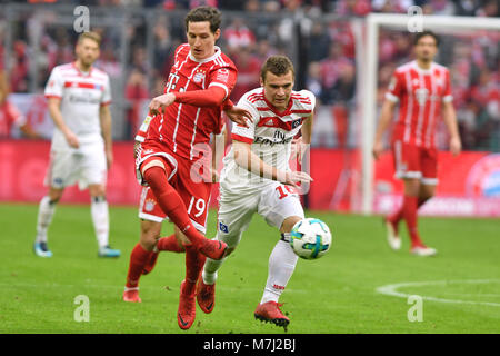 Sebastian RUDY (FC Bayern Munich), Aktion, duels versus Vasilije Janjicic (HSV Hamburg Hamburg Hamburg). Fussball - Stock Photo
