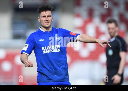 Erfurt, Deutschland. 11th Mar, 2018. Marcel Mehlem (KSC). GES/ Fussball/ 3. Liga: RW Erfurt - Karlsruher SC, 11.03.2018 - Stock Photo