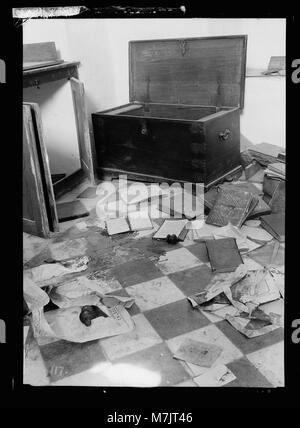 Palestine events. The 1929 riots, August 23 to 31. Jewish home plundered by Arab rioters in Hebron. Blood-stained - Stock Photo