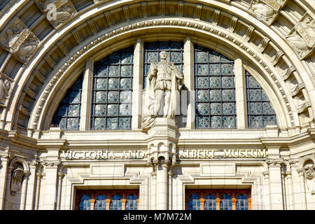 The carved archway over the main entrance to the Victoria and Albert Museum, London, United Kingdom. - Stock Photo