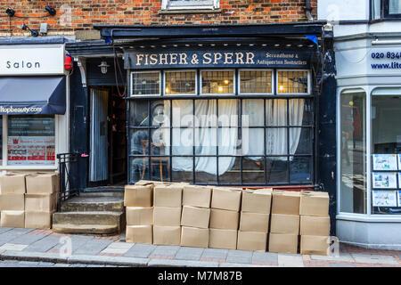 Fisher & Sperr antiquarian bookshop, Highgate, UK, in the process of closing down, June 2011 - Stock Photo