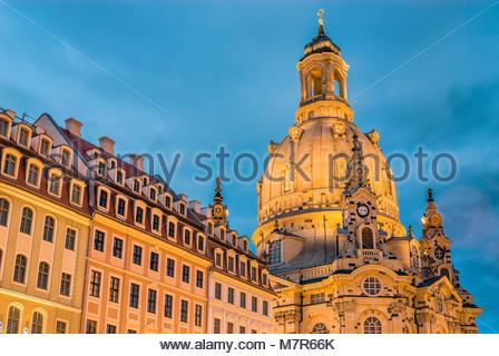 Dresden Frauenkirche Cathedral at night, Saxony, Germany | Nachtaufnahme der Dresdner Frauenkirche in der Altstadt - Stock Photo