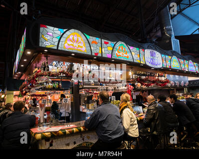 The Mercat de Sant Josep de la Boqueria, (La Boqueria Market) Barcelona, Catalonia, Spain. - Stock Photo