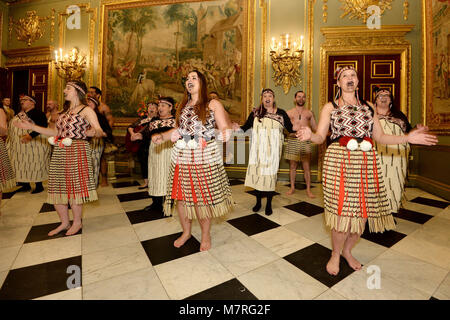 Performers at a reception held at Marlborough House, the home of the Commonwealth Secretariat in London. - Stock Photo