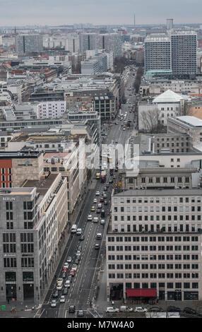 13 March 2018, Berlin, Germany: Hustle and bustle in the Leipziger strasse Photo: Paul Zinken/dpa - Stock Photo