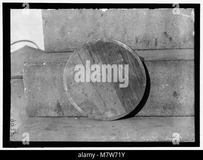NAVY YARD, U.S., WASHINGTON. DISCS AND WORK ON THEM LCCN2016868701 - Stock Photo