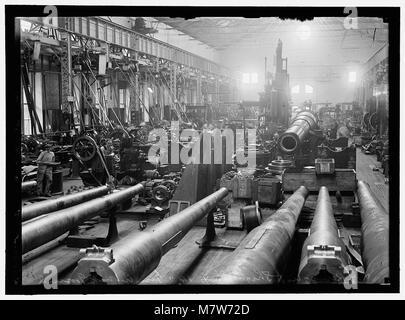 NAVY YARD, U.S., WASHINGTON. SIGHT SHOP, BIG GUN SECTION LCCN2016868712 - Stock Photo