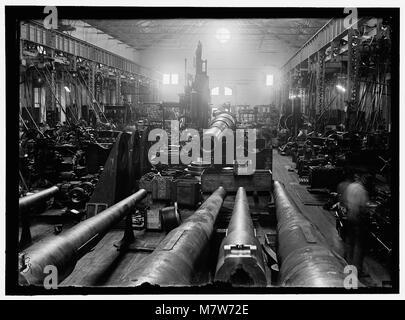 NAVY YARD, U.S., WASHINGTON. SIGHT SHOP, BIG GUN SECTION LCCN2016868722 - Stock Photo