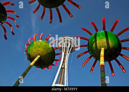WA13815-00...WASHINGTON - Sonic Bloom sculptures located between the Space Needle and the Pacific Science Center - Stock Photo