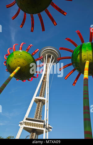 WA13816-00...WASHINGTON - Sconic Bloom sculputers located between the Space Needle and the Pacific Science Center - Stock Photo