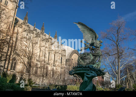 Peace Fountain by Greg Wyatt, installed in the garden by The Cathedral Church of St. John the Divine, that occupies - Stock Photo