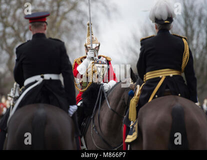 Knightsbridge, London, UK. 15 March 2018.  Knightsbridge witnesses an impressive spectacle as The Queen's mounted - Stock Photo
