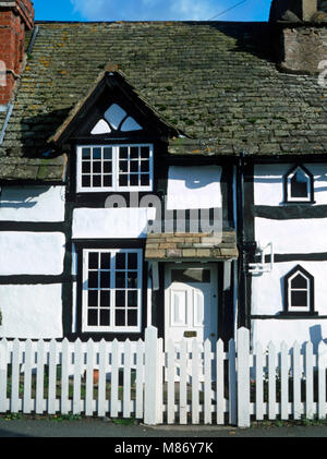 A black and white house in Eardisley, Herefordshire - Stock Photo