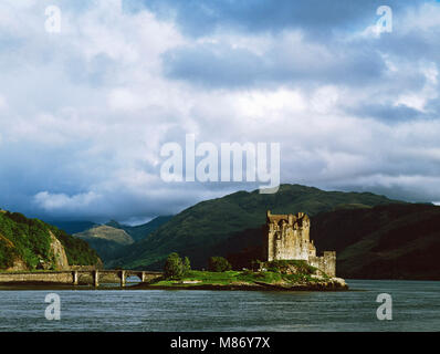 Eilean Donan, a picturesque 20th century reconstruction of an 13th century castle on Loch Duich in the western Highlands - Stock Photo