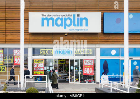 Maplin electrical store closing down in Crown Wharf Shopping Park in Walsall, West Midlands - Stock Photo