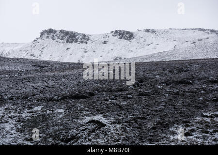 Seal Edge on Kinder Scout in winter, Peak District - Stock Photo