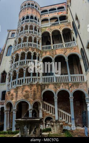 Impressionen aus Venedig - Palazzo Contarini del Bovolo - Stock Photo