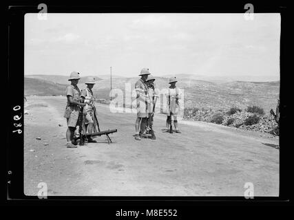 British Military Camp at klm. 41, Lubban-Nablus Rd. British troops standing on guard on Nablus Road LOC matpc.18718 - Stock Photo