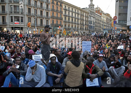 Barcelona, Spain. 16th Mar, 2018. About 200 people, according to the Local Police of Barcelona have rallied this - Stock Photo