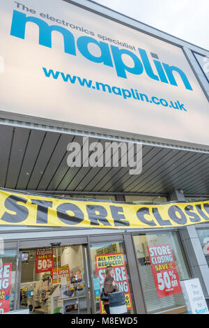 The Maplin store on the Brunel Retail Park in Reading having a closing down sale to sell of stock at discount prices. - Stock Photo